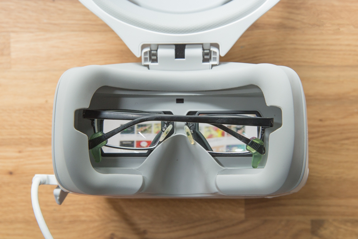 DJI Goggles Reveiw The Best VR Display For Camera Drones